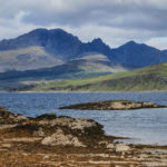 La spiaggia di Ord con i monti Cuillin sullo sfondo-Isola di Skye